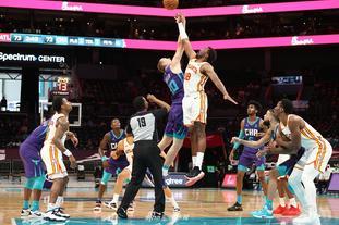 [NBA常规赛]老鹰105-101黄蜂