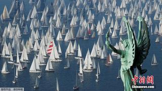 意大利举办传统帆船赛