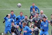 白俄罗斯足球超级联赛首轮如期开战 球迷热情不减看台助威