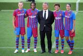 巴塞罗那发布21/22赛季新球衣 俱乐部主席出席发布仪式