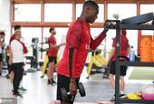 AC米兰众将健身房训练