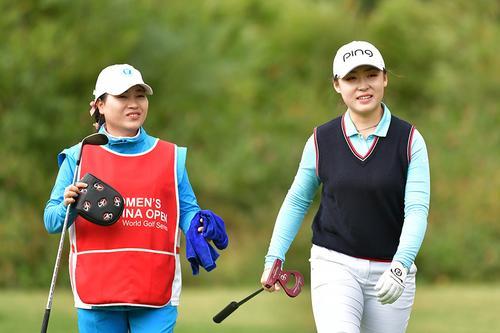 中国女子公开赛次轮刘依一2杆领先
