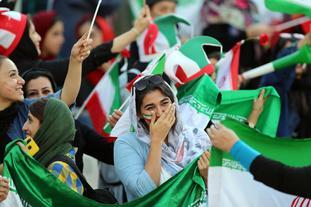 伊朗女性终于能看球 苦等40年