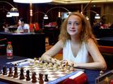 高清-绍兴国象公开赛棋手特写 斯坦芳诺娃甜美微笑
