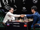 高清-国象候选人赛第5轮 王皓与俄罗斯棋手涅波握手
