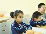 高清-心无旁骛志研棋 小朋友在围棋学院快乐成长