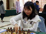 高清-国象甲级联赛第17轮特写 棋后居文君优雅出子
