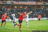 [欧联杯]伊斯坦布尔5-4逆转晋级