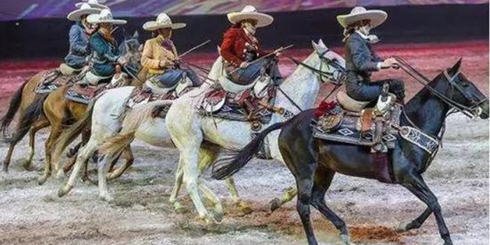 从范冰冰骑马姿势,谈偏鞍的历史、优雅和唯美