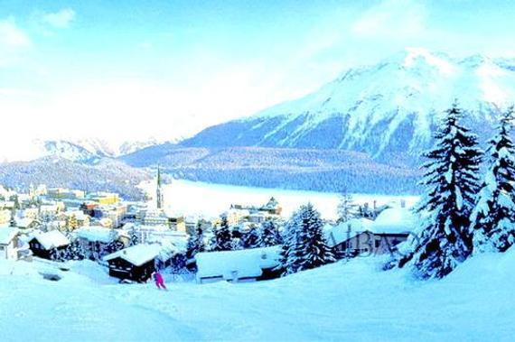 今天推荐的全球十大滑雪场,风景和特色各不相同。