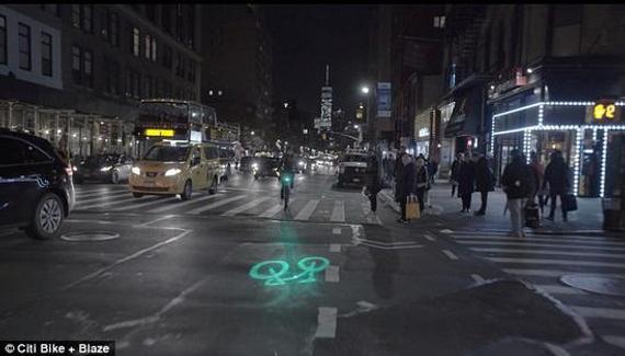 还在担心夜晚路上黑,怕别人看不到骑自行车的自己吗?