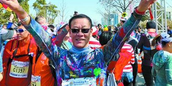 带着心脏支架 湘潭老人想拿回马拉松大满贯