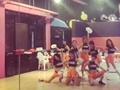 视频-疯狂扭动 bab啦啦队舞蹈室短衣热舞