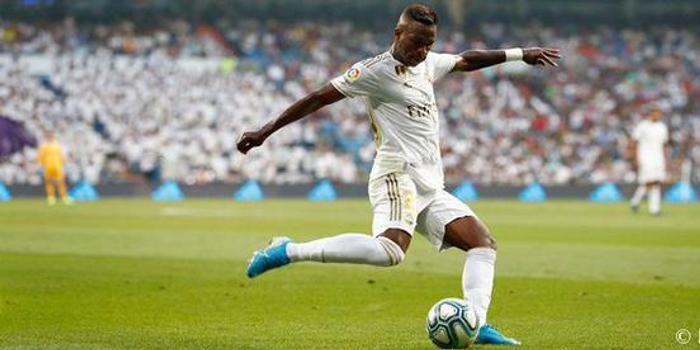 皇马西甲首发:阿扎尔伤愈替补 贝尔缺阵3将轮换