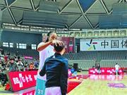 孩子气的内线王牌 北京女篮都喜欢这个大个子