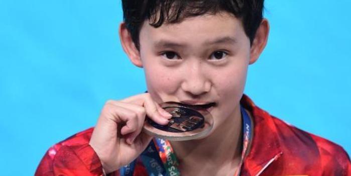 """中國首位""""00后""""奧運冠軍任茜獲青運會跳水金牌"""