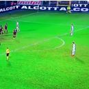 C羅任意球踢呲直接出邊線!再比梅西就扎心了|gif