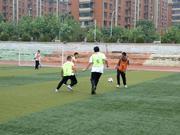 阳光体育捐赠走进济南校园 举办公开赛交流赛