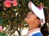 韩国高球美女金荷娜清新靓丽