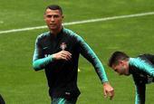 葡萄牙备战世界杯 C罗抢镜