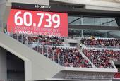 创纪录!巴萨马竞女足大战60739球迷观战