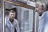 吐槽神图:索帅一照镜子 看到莫耶斯!