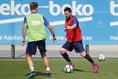 梅西回归巴萨合练 欧冠有望复出