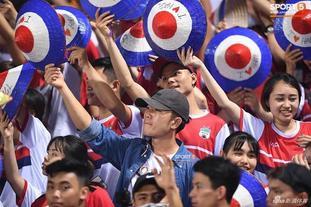 越南足球联赛重启允许球迷回归