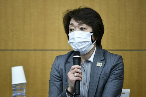 東京奧組委主席橋本圣子召開緊急發布會