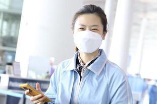丁宁参加时尚品牌发布会后返京