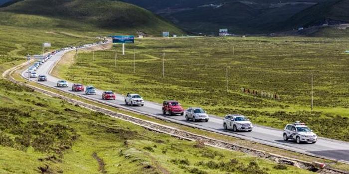 环青海湖电动汽车环湖评测第二日 挑战最高海拔