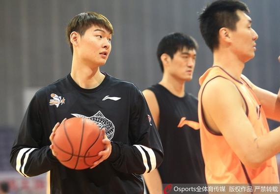 王哲林是福建队的中心球员