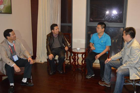 组委会看望台湾棋手许明龙