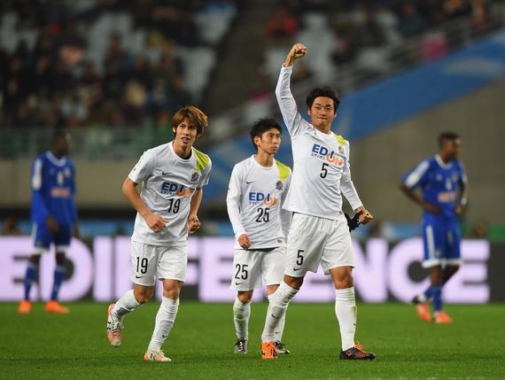 广岛三箭3-0马泽姆贝 半决赛将战河床