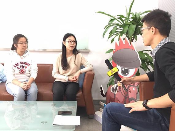 新浪马术采访北京林业大学爱马者协会朱麟和佟瀚两位同学