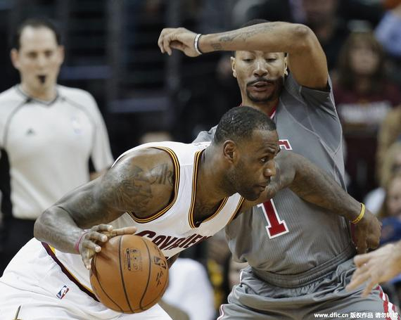 德里克-罗斯[微博]21投仅5中,得12分,塔基-吉布森15分8个篮板.