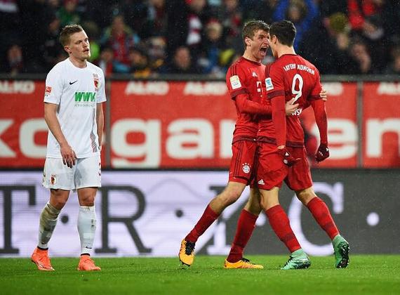 德甲-莱万2球升射手榜首位 穆勒传射拜仁3-1胜