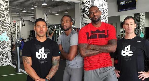 詹姆斯韦德两人在迈阿密一同锻炼