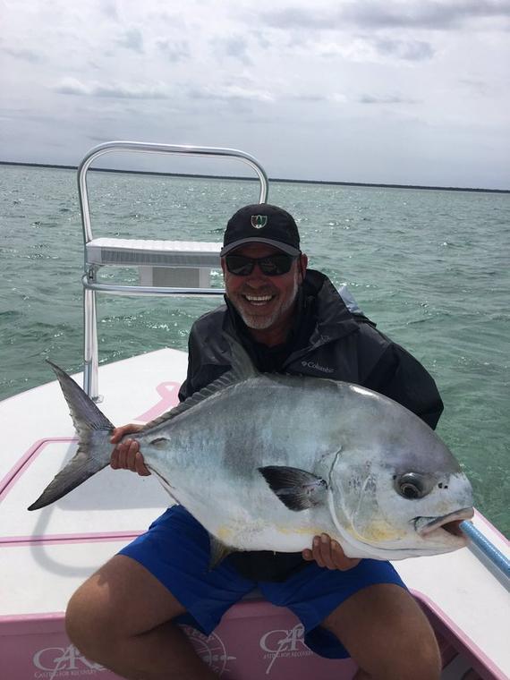 克拉克与他钓到的大鱼