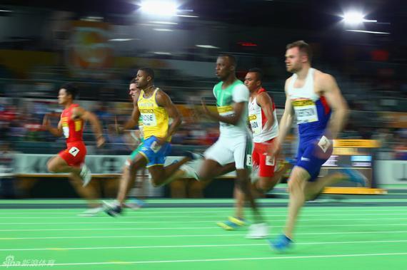苏炳添在60米预赛中
