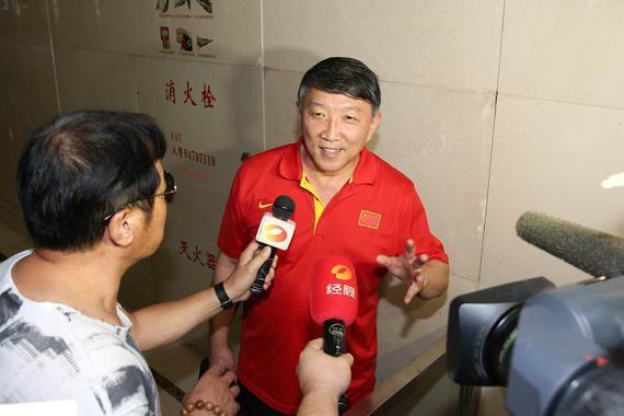 宫鲁鸣表示未接到篮协的开会通知