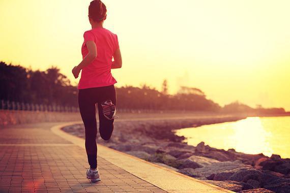 江城武汉掀起跑步热潮,27岁传媒小伙5个月跑掉50斤。