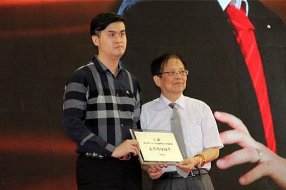 去年象甲王天一以最有价值棋手帮助广西队夺冠