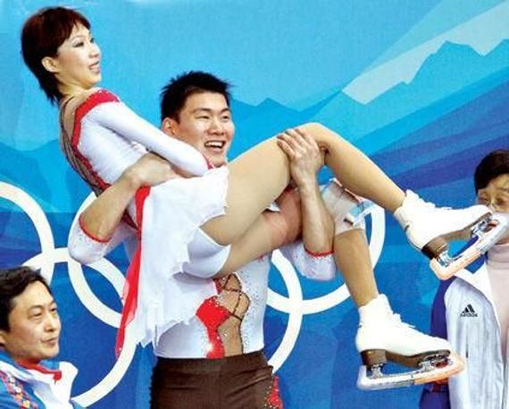 张丹张昊在都灵冬奥会摘银牌