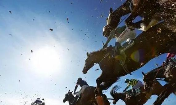英国国家障碍赛马大赛(Grand National Horserace)