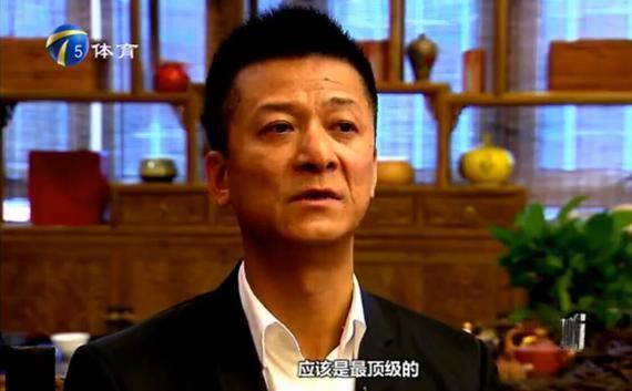 束昱辉承受天津媒体采访