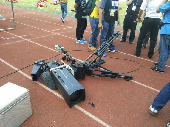 现场摄像机