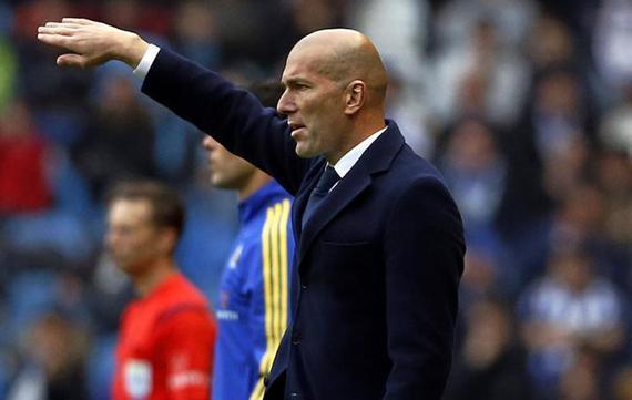 齐达内被欧足联评为西甲最佳新秀教练