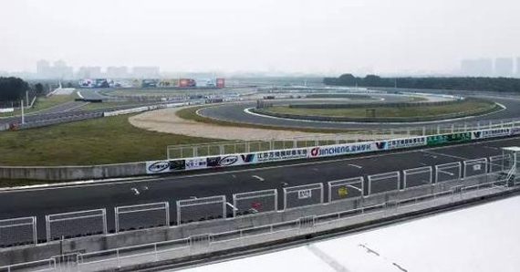 新落成的江苏万驰国际赛车场