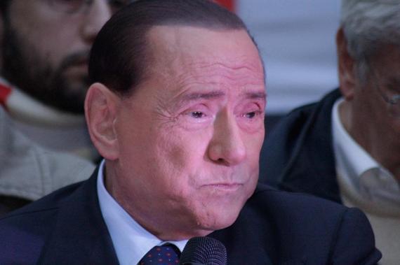 贝卢斯科尼将留在AC米兰